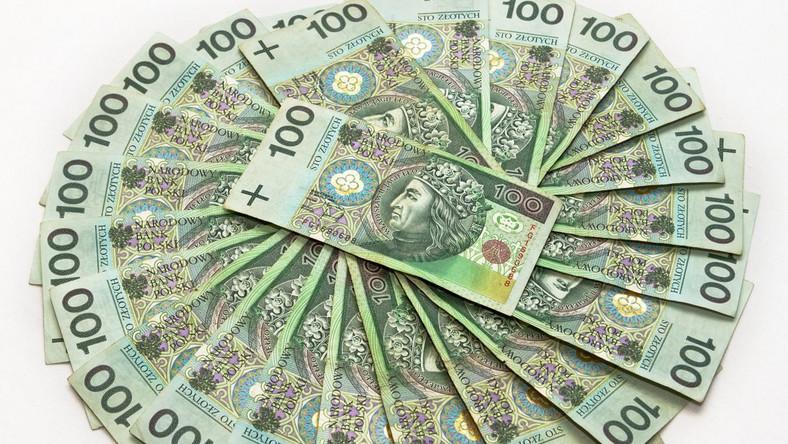 UOKiK oskarża: Bank naciągał klientów