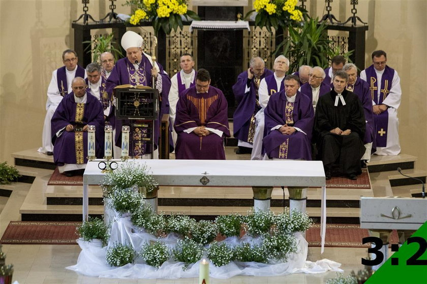 Pogrzeb księdza w Orzeszu