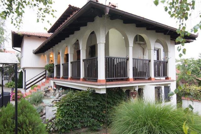 Kuća u starom srpskom stilu