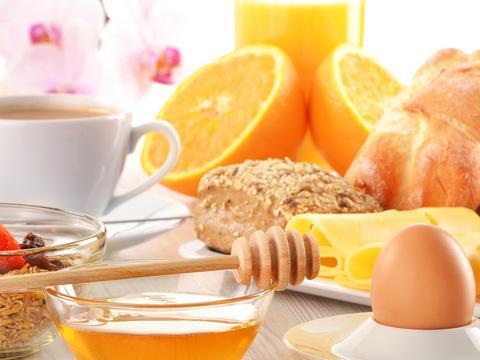 Co jeść na pusty żołądek by schudnąć