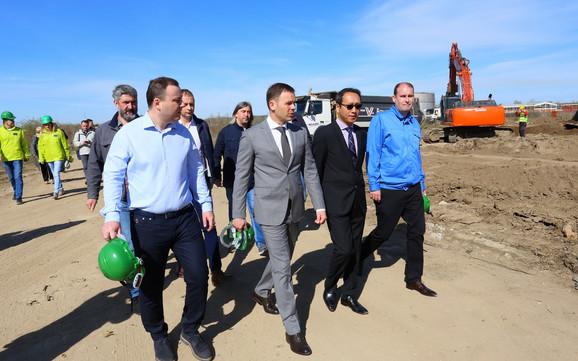 Gradonačelnik Siniša Mali juče na gradilištu novog pogona kompanije