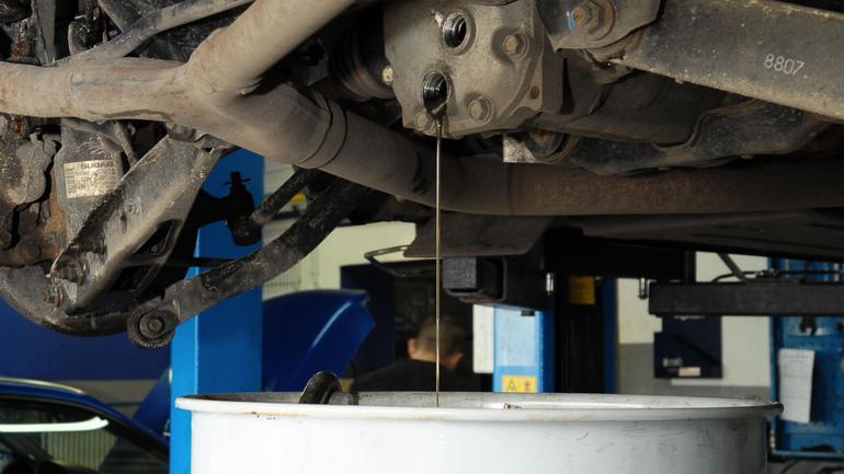 Czy trzeba wymieniać olej w skrzyni manualnej?