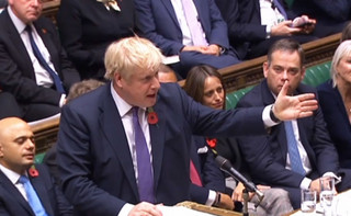 Izba Gmin odrzuciła wniosek o przedterminowe wybory. Johnson komentuje