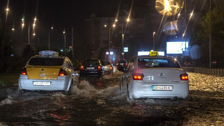 Woda zalała m.in. stolicę kraju, Skopje