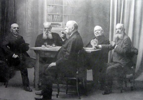 """Fotografija """"Igrači karata"""" snimljena je 1913. godine"""