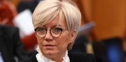 Sędzia Przyłębska opowiada o gotowaniu dziennikarzom. Trochę szkoda, że po angielsku. Ale spokojnie, nawet dziecko zrozumie!