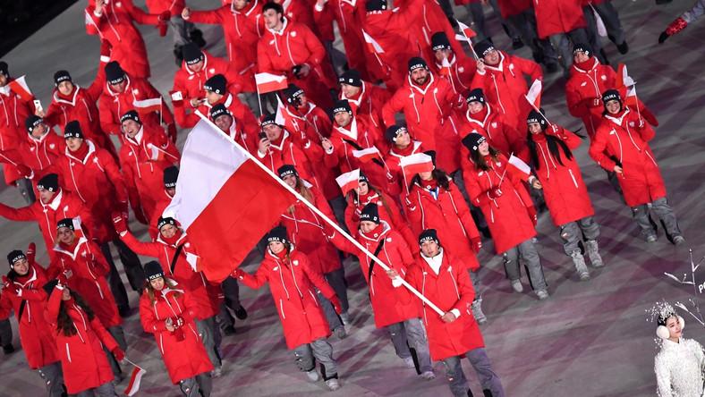 Polscy olimpijczycy podczas otwarcia igrzysk w Pjongczang