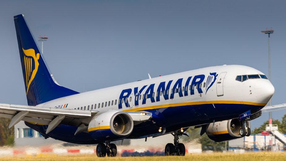 """Powstała """"czarna lista"""" Ryanaira. Zakaz wstępu na pokład ma już niemal tysiąc pasażerów."""
