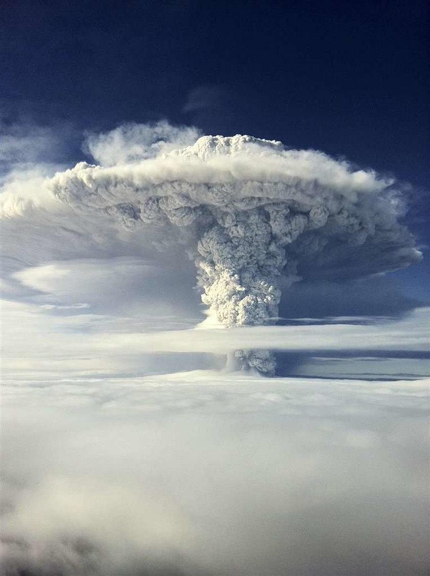 Niesamoiwte zdjęcia z wybuchu wulkanu