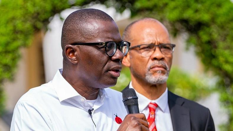 Lagos State Governor, Babajide Sanwo-Olu and the state Commissioner for Health, Akin Abayomi. (BBC)
