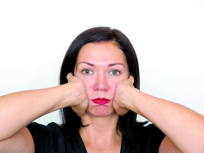 Kakav botoks, kakve plastične operacije: OVE vežbe za lice će vas učiniti VEČNO MLADIM