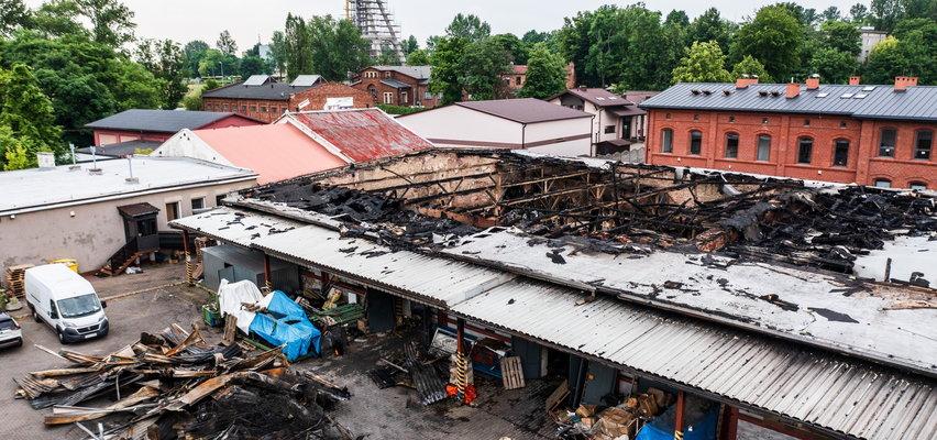 Właściciel hurtowni tekstyliów wybrał okrutną śmierć? W spalonej hali śledczy dokonali makabrycznego odkrycia