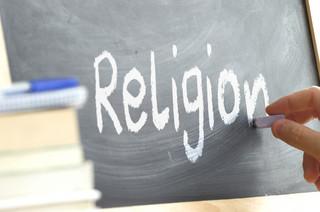 Religia tylko na ostatniej lekcji? Decyzja nie może należeć do organów gminy