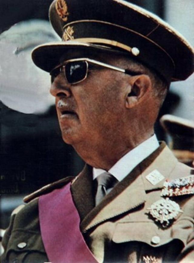 Vladavina: 1938-1975