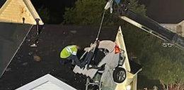 Samochód wpadł przez dach do sypialni właścicieli. ZDJĘCIA