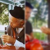 Deda Milovan se slikao sa unukom 1998. godine: Punih 20 GODINA KASNIJE, nastala je ova fotografija i LJUDI KAŽU DA NIŠTA LEPŠE NISU VIDELI