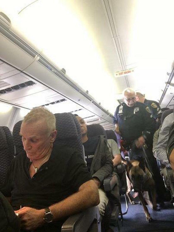 Pasażerka boeinga wyskoczyła z samolotu
