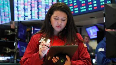 US stocks edge higher as investors digest earnings results from mega-cap tech