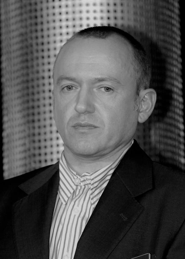 Wiktor Bater (ur. 24 września 1966 r. w Warszawie) był korespondentem polskich mediów w Moskwie. W latach 1994-1999 pracował dla Polskiego Radia, a od 1999 r. do 2007 r. dla stacji TVN. Relacjonował m.in. atak na szkołę w Biesłanie, do którego doszło 1 września 2004 r. W trakcie pracy został niegroźnie ranny.