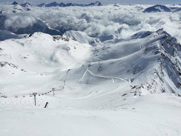 W takich okolicznościach przyrody zjeżdża się w Les Deux Alpes