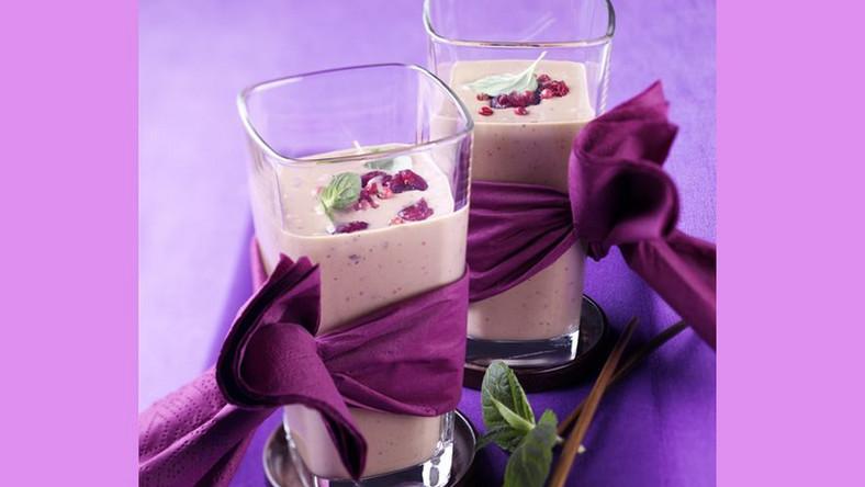 Bananowo-czekoladowy koktajl mleczny z żurawinami