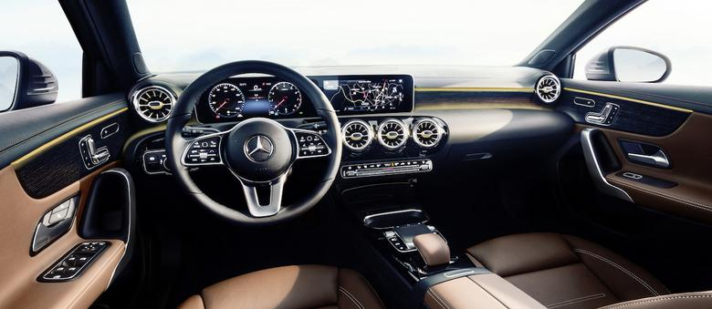 Nowy Mercedes Klasy A - wnętrze