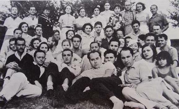 Većina članova Grupnog teatra u letnjikovcu u Konektikatu krajem 1930-ih