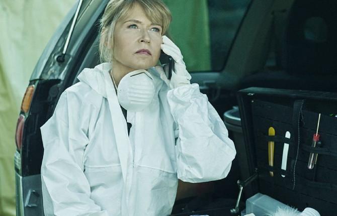 Anica Dobra kao forenzičarka Rada u seriji