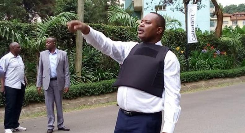 DCI boss George Kinoti at the Dusit complex directing his officers (Twitter)