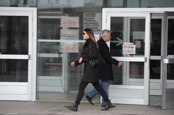 Nije skidala pogled sa bivšeg verenika Filipovića ni dok je prilazila klupi za svedoke ni dok je svedočila: Sanja Ševović