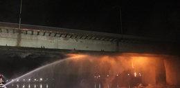 Film z pożaru mostu w Warszawie