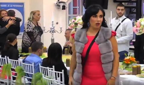 """Aleksandra se poverila cimerima: """"Bivši dečko me tukao, Karađorđe mu je rekao da me nije dovoljno PREBIO"""" VIDEO"""