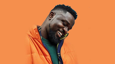 Sarkodie in new freestyle shows boys how to reply 'send MOMO' demands from girls (WATCH)
