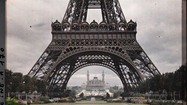 """Francja, Wieża Eiffla z """"Archiwum Planety"""""""