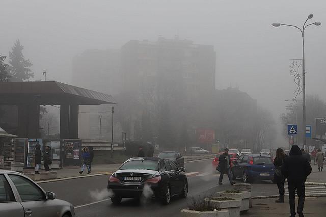 Centar Smedereva pod smogom i maglom
