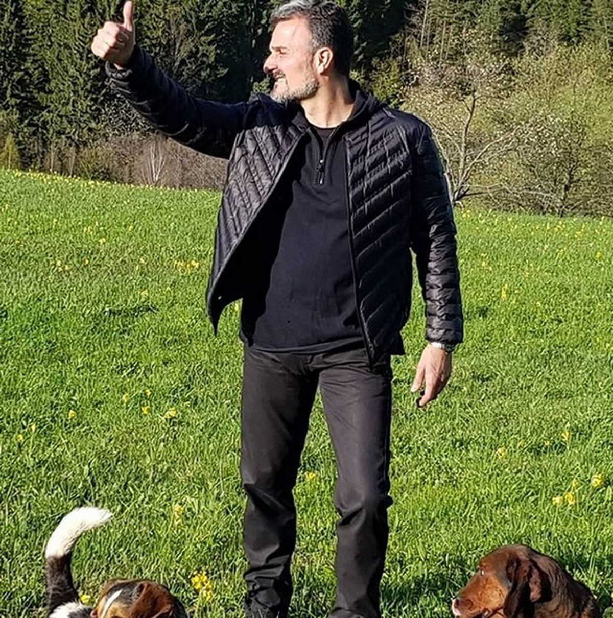 NEKI SU RAZOČARANI MOJIM ODLASKOM Srpski pevač je posle 30 godina napustio popularni bend i konačno progovorio o svemu VIDEO