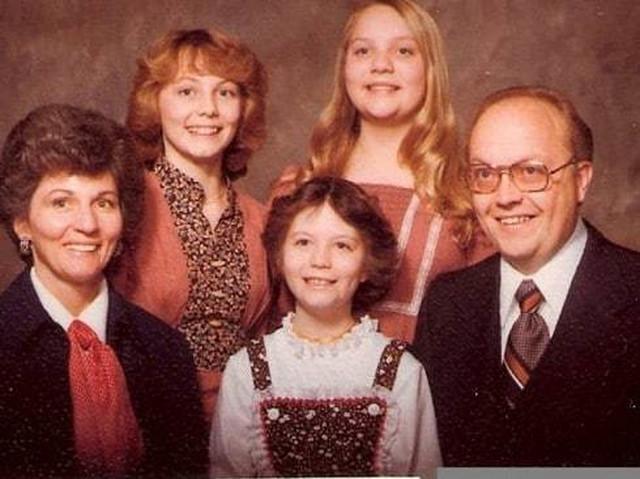 Porodica Broberg (Džen je druga sleva)