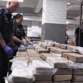 """SRBIN I BOSANKA RADILI ZA HRVATSKOG """"EL ČAPA"""" Švercovali kokain vredan 18 miliona evra za KRIMINALCA SA BEZBROJ IDENTITETA"""
