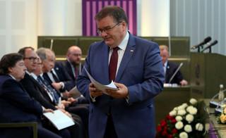 Dera: Nadzór ministra sprawiedliwości nad prezesami sądów nie wpływa na niezawisłość