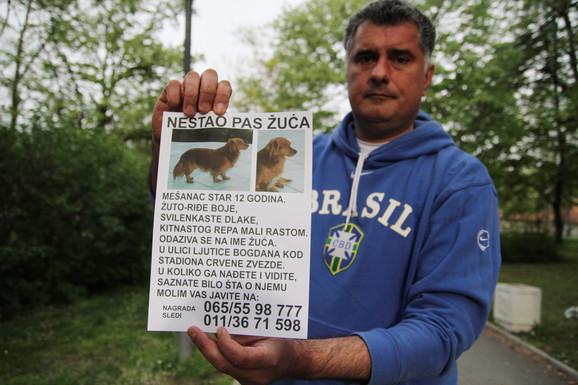 Ne odustaje: Petar Branković i juče je lepio plakate