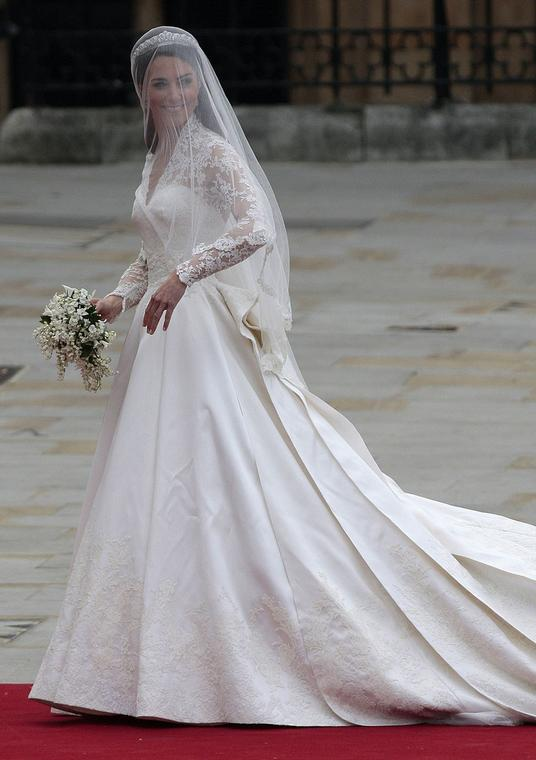 Pierwsza suknia ślubna Kate