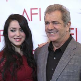 Mel Gibson już niedługo zostanie ojcem. Jego o 34 lata młodsza wybranka pokazała ciążowe krągłości