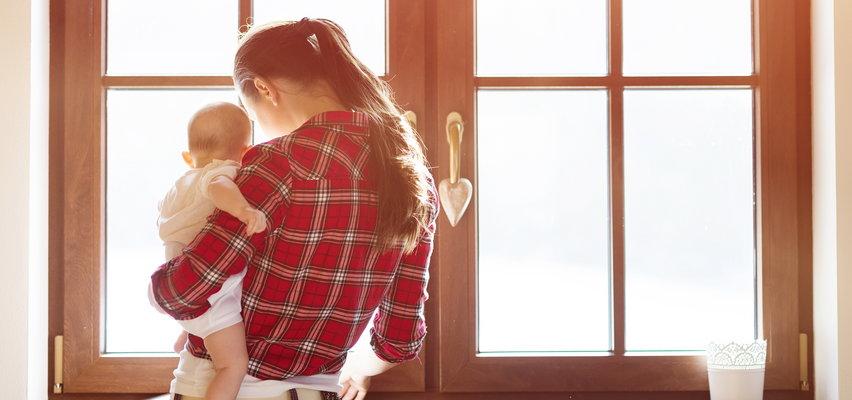 Matka walczy o dziewiątkę odebranych dzieci. Najmłodsze ma 15 miesięcy