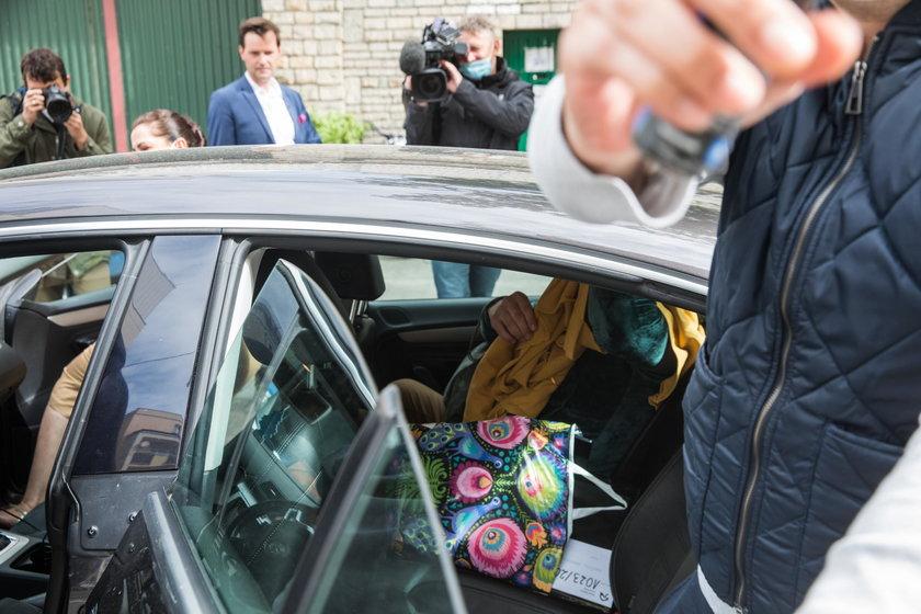 Hoss wychodzi z aresztu