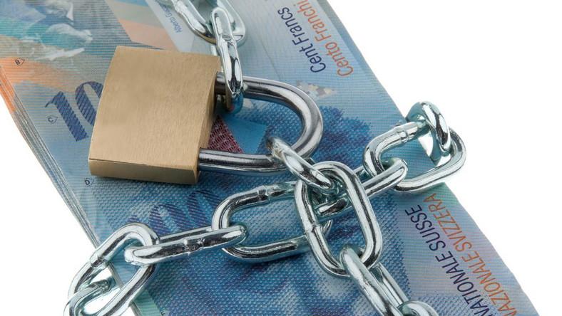 Raty we franku idą w górę, ale i tak są niższe od złotowych