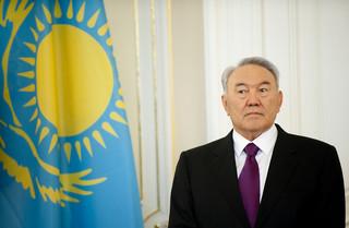 Przesiadka na tylny fotel. Prezydent Kazachstanu po 28 latach rezygnuje ze stanowiska