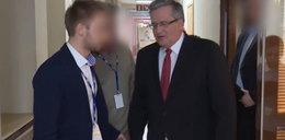 Komorowski zaatakowany na korytarzu TVP. FILM