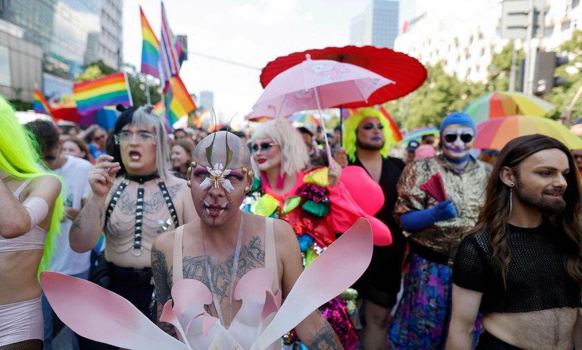 Ruszyła Parada Równości w Warszawie. Oto najlepsze zdjęcia.
