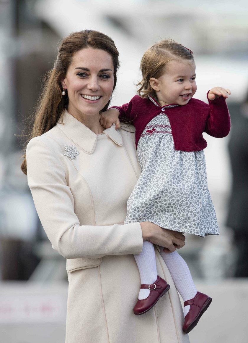Księżna Kate z córką Charlotte