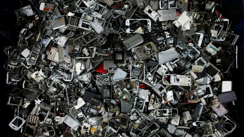 The world produces close to 50 million tonnes of e-waste every year as consumers and businesses throw out their old smartphones, computers and household appliances -- matrial worth an estimated $62.5 billion (55 billion euros)